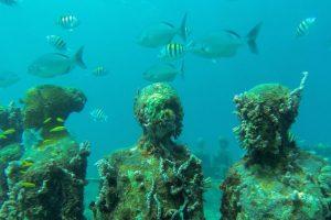 UnderWaterSculptures