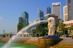 Merlion at the side of the bay